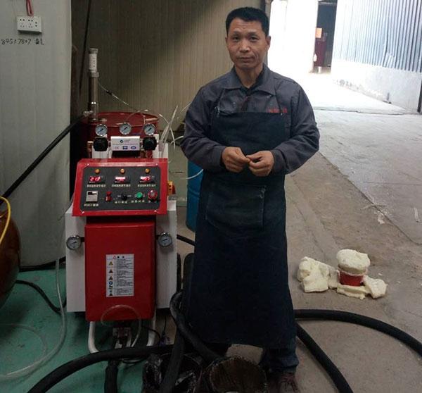 聚氨酯喷涂机A200D聚氨酯填充水箱